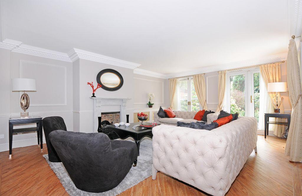 1-HHFJ-living-room.j