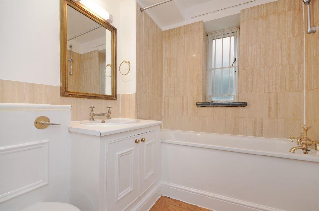 1-HHFJ-bathroom-2.jp