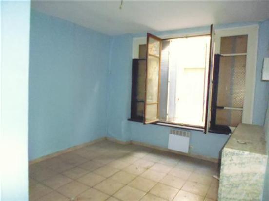 Apt 2  Bedroom/Chambre