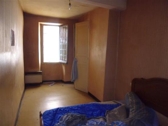 Apt 2  Bedroom 1/Chambre 1