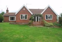 3 bedroom Detached Bungalow in Southfield Lane...