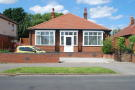 Detached Bungalow in Park Avenue, WITHERNSEA...