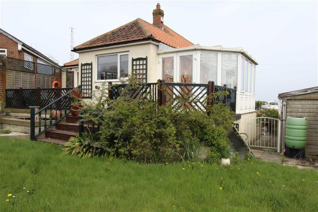 2 Bedroom Detached Bungalow For Sale In Selwick Drive
