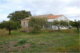 Land in Alcantarilha, Algarve...