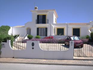 3 bedroom Villa for sale in Lagos, Algarve, 8600-069...