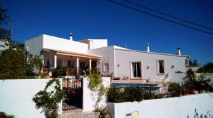 3 bedroom Villa in Loule, Algarve, 8100-175...