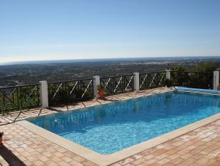 Villa for sale in Santa Barbara De Nexe...
