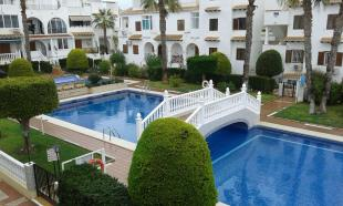3 bedroom Semi-detached Villa in Valencia, Alicante...
