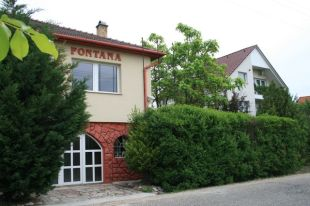 Detached home for sale in Kom�rom-Esztergom, T�t