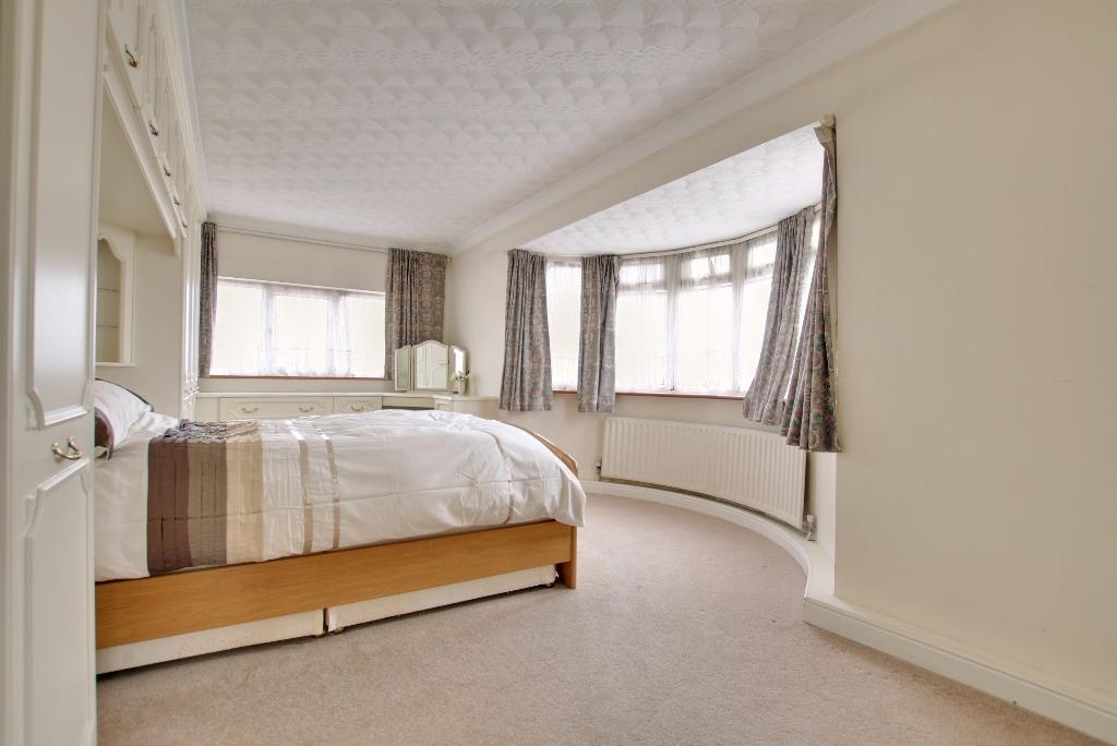 4 Bedroom Semi Detached House For Sale In Old Turnpike Fareham Po16