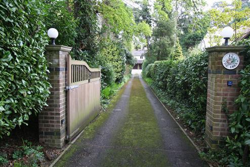 160' Private Driveway