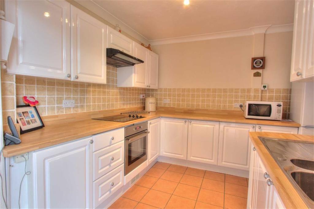 Kitchen: