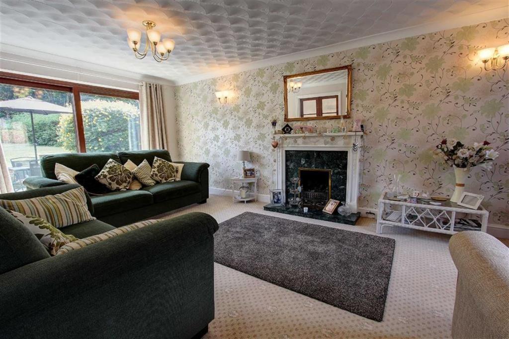 Sitting Room: