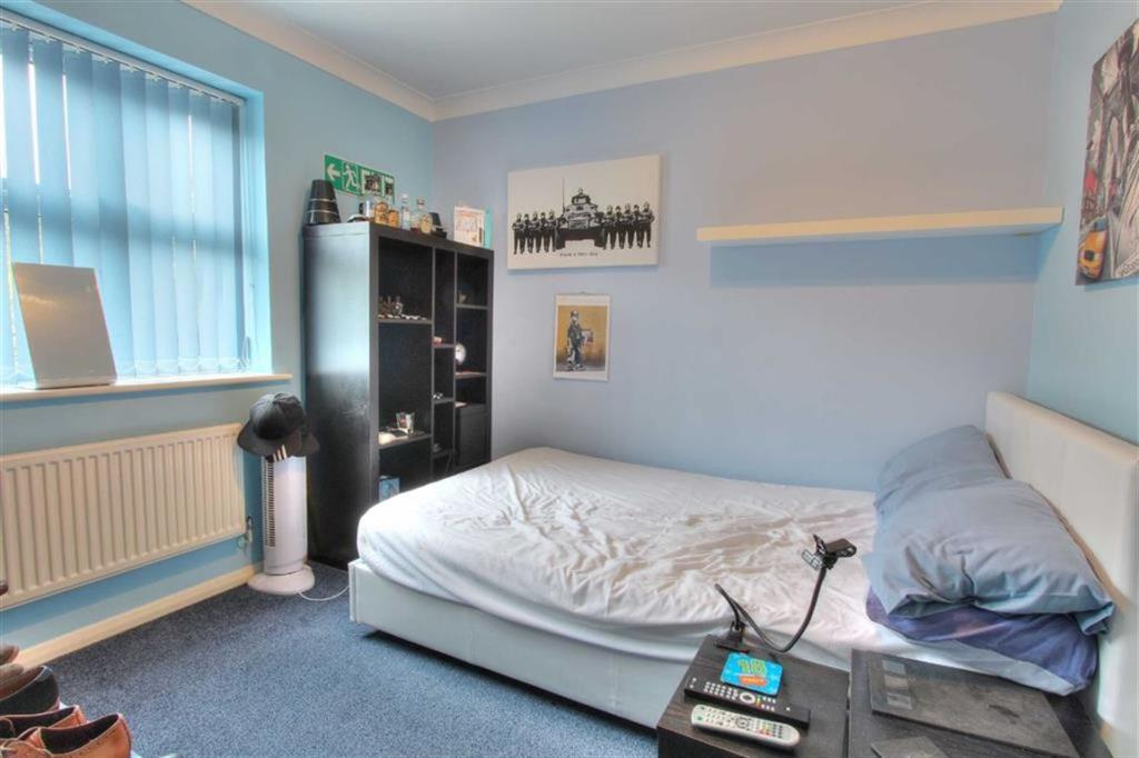 Bedroom 2: