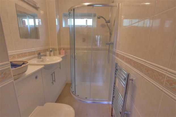 Shower Room: