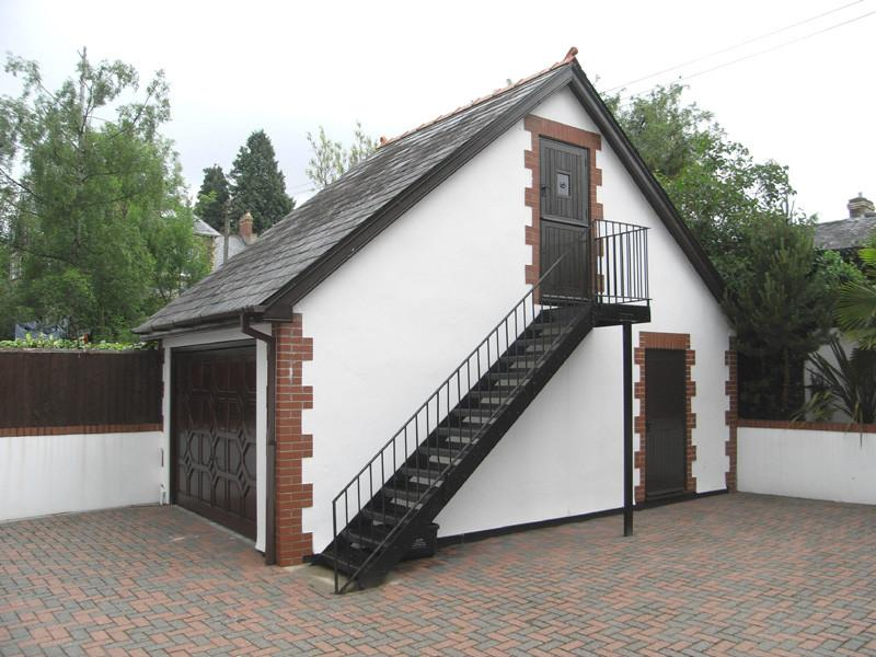 4 bedroom detached house for sale in albany road for Double garage with room above
