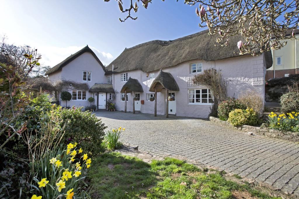 5 Bedroom Detached House For Sale In Abbotskerswell