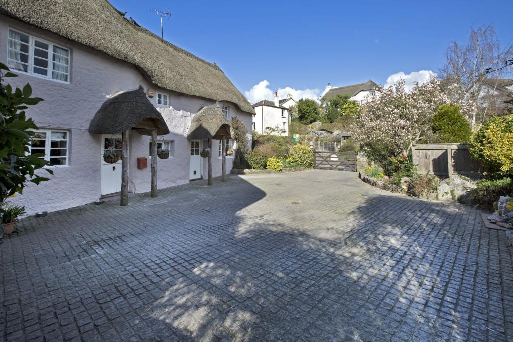 Property For Sale In Abbotskerswell