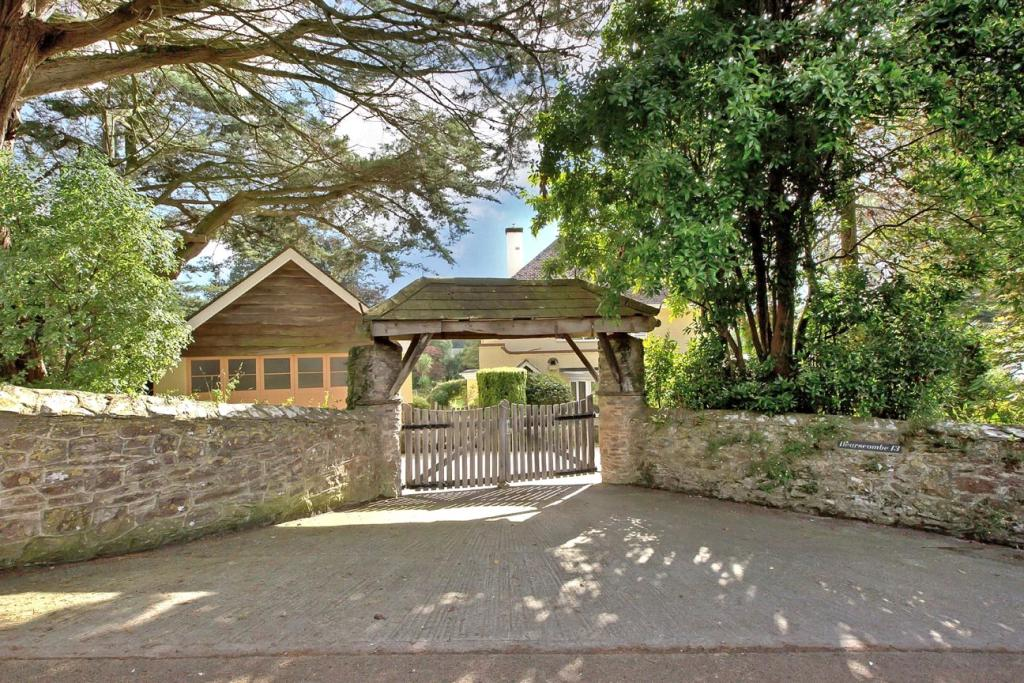 The Lychgate