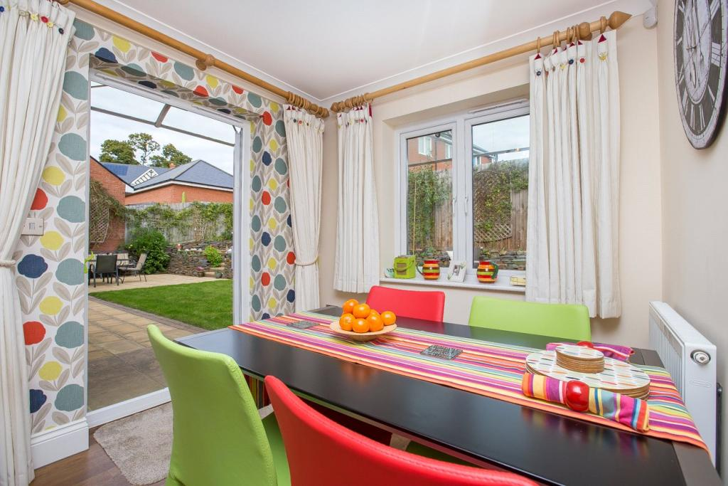 Family Room & Garden