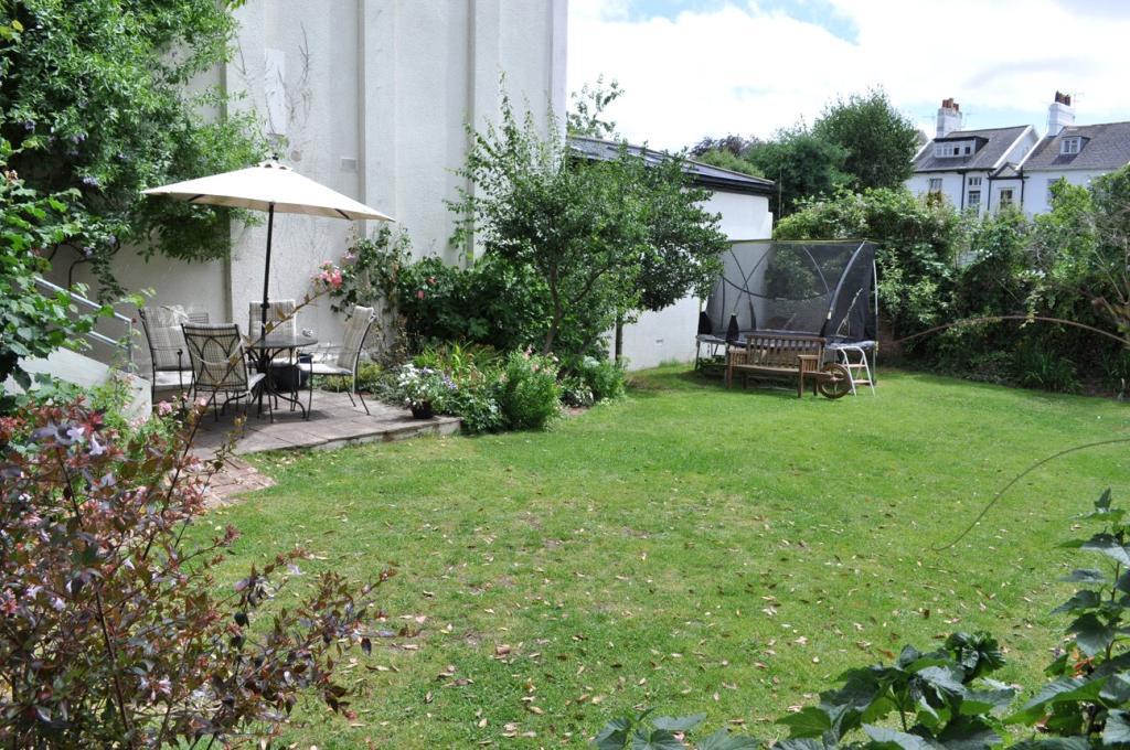 Side Of Garden 2