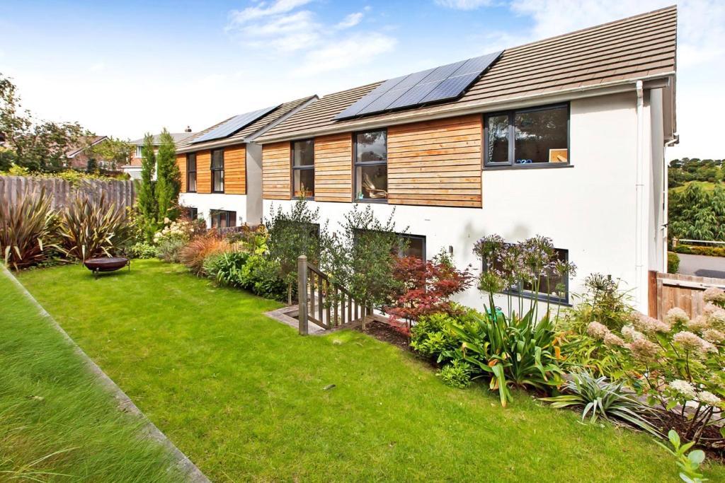 solar panels,Rear Elevation