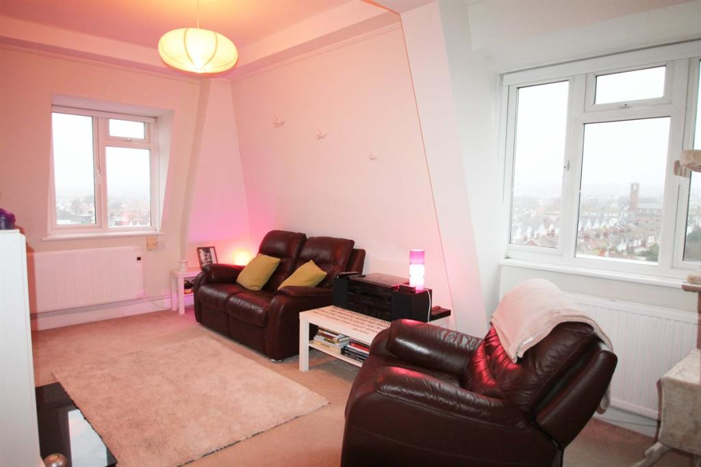 2 bedroom flat for sale in rutland court new church road for 17 x 11 living room