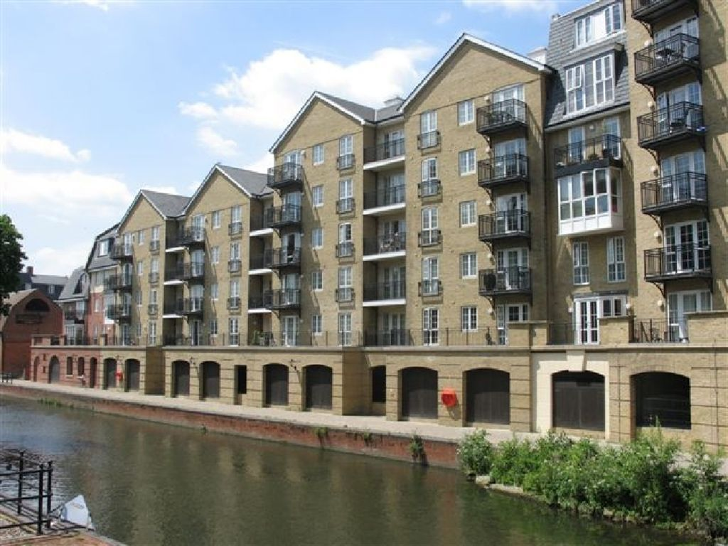 bedroom apartment for sale in riverside house fobney street
