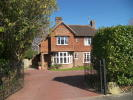 4 bed Detached home in Newlands Road, Crawley...