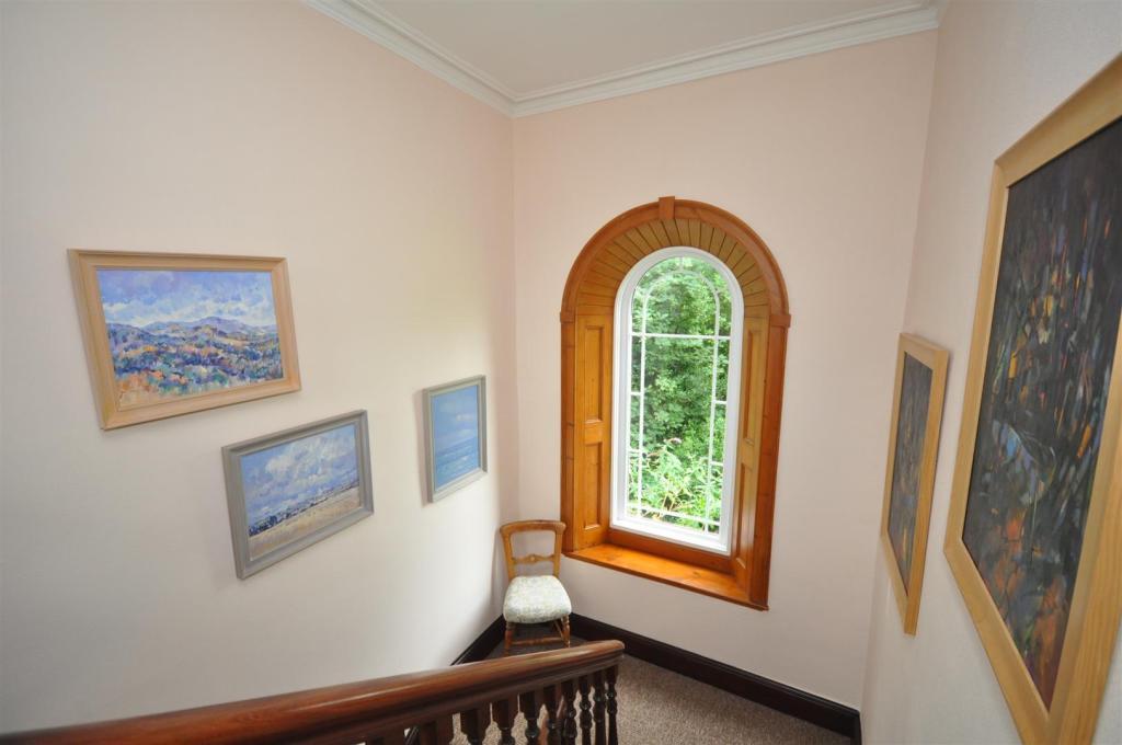 First Floor - Landin