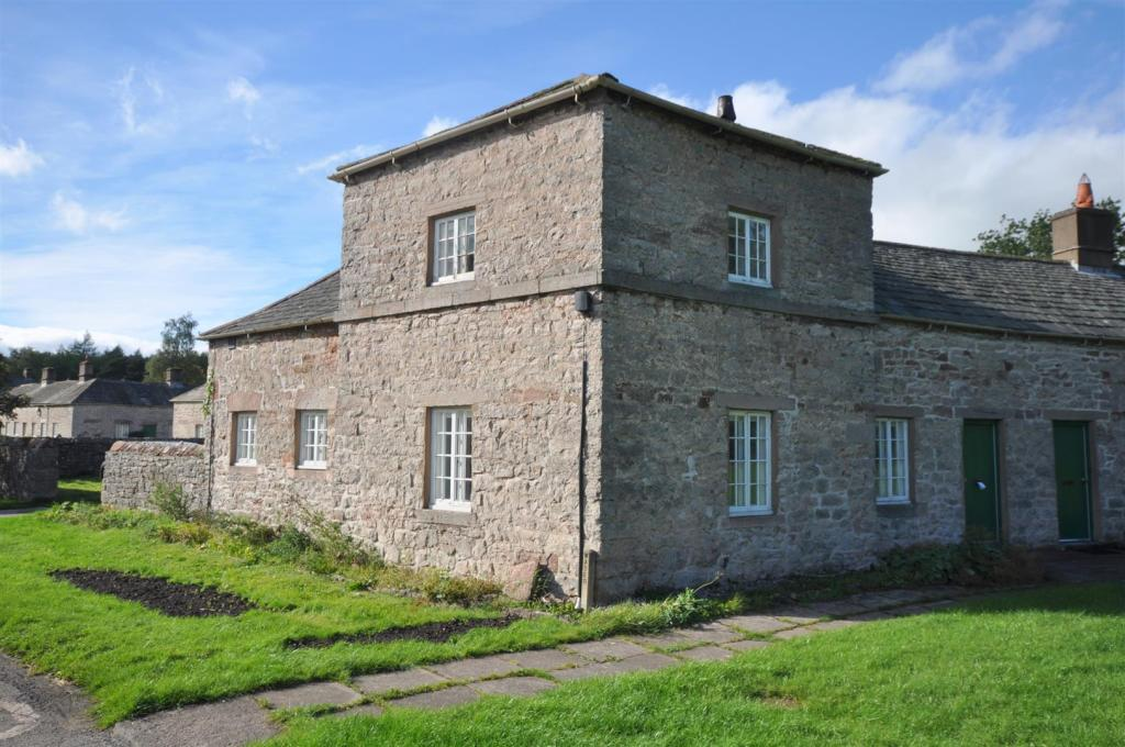 23 Lowther Village