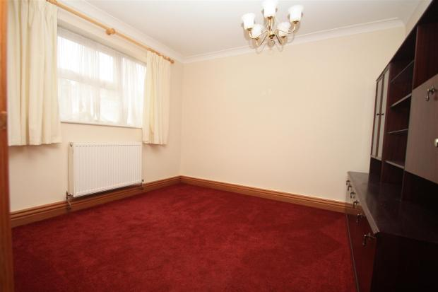 bed 3 or dining room