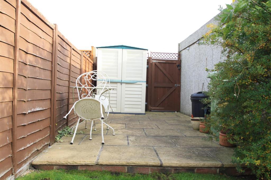 rear garden c.JPG