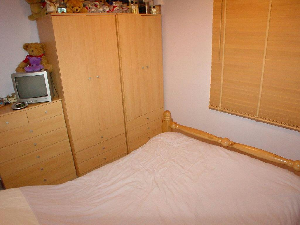 3rd Photo of Bed 1