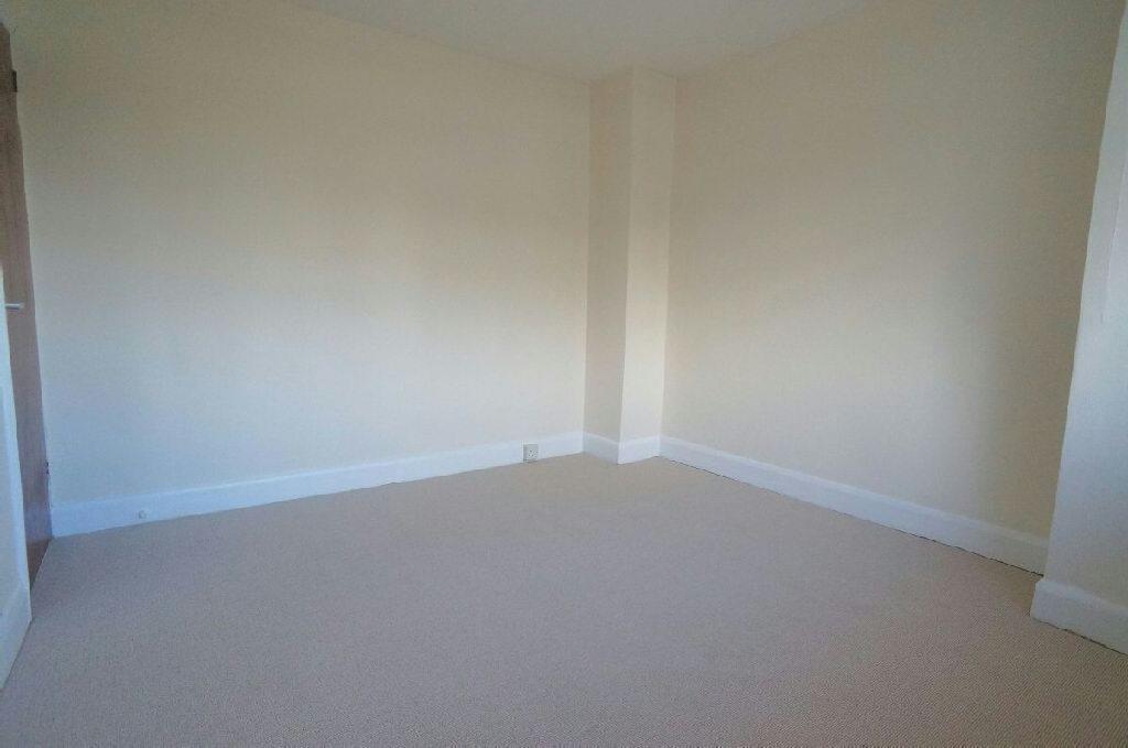 3rd Photo of Bedroom