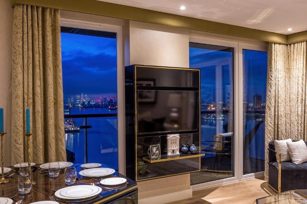 Royal Arsenal Riverside,Window
