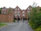 2 bed Apartment in Portside Close...