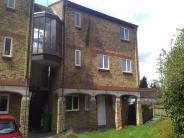 Flat to rent in Calvert Drive...