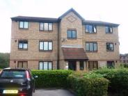 Flat to rent in Chestnut Road, Pitsea...