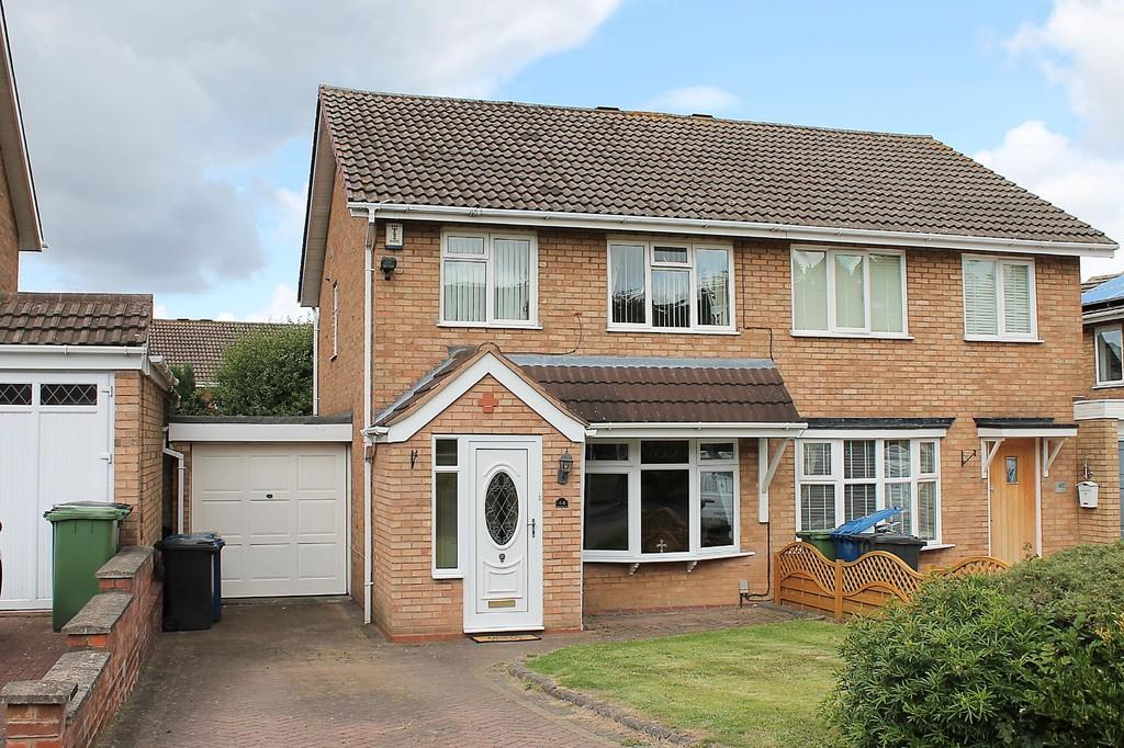 3 Bedroom Semi Detached House For Sale In Cornel Amington