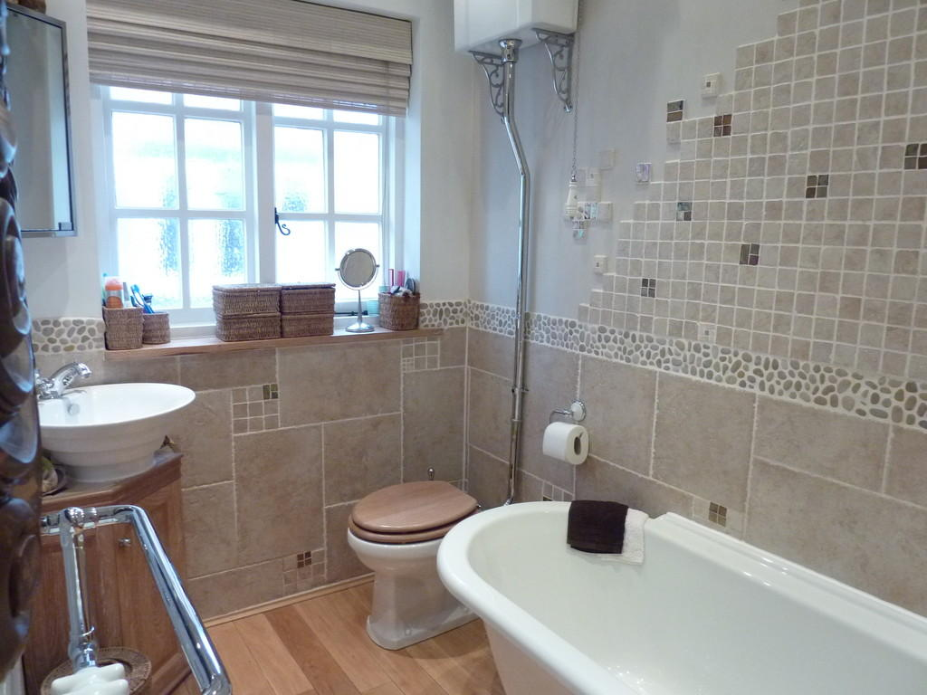 4 Bedroom Semi Detached House For Sale In Cremorne Road Four Oaks Sutton Coldfield B75 5ah B75
