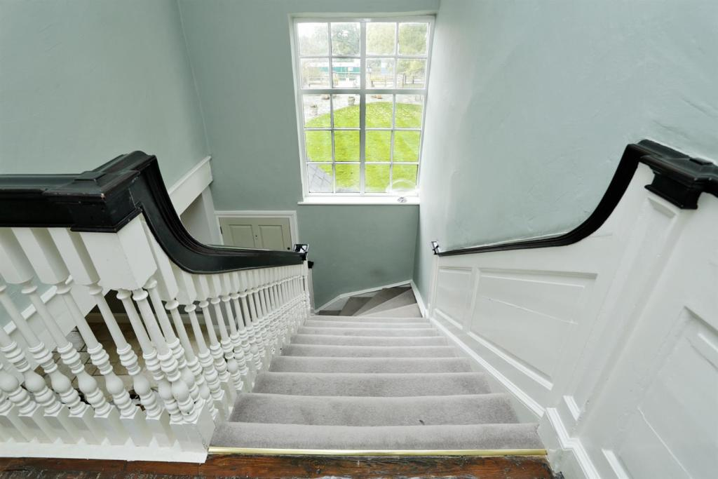 GEORGIAN STAIRCASE