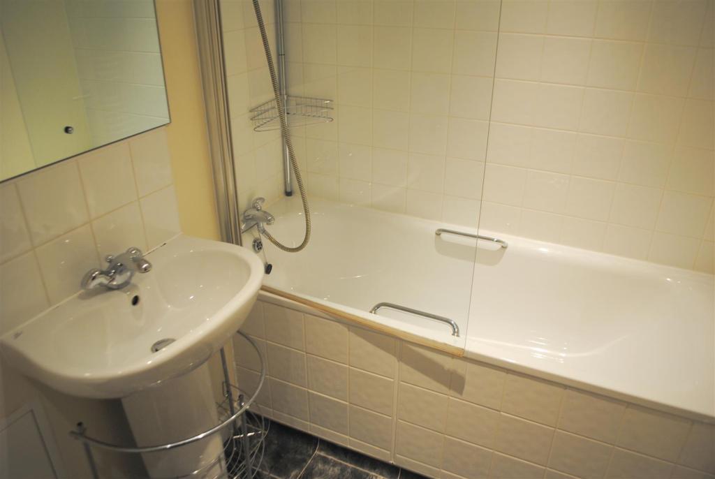 bath,mc.JPG
