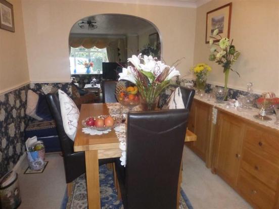 Dining room (rear)