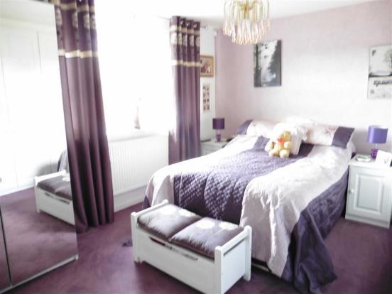 Bedroom 1 (rear) wit