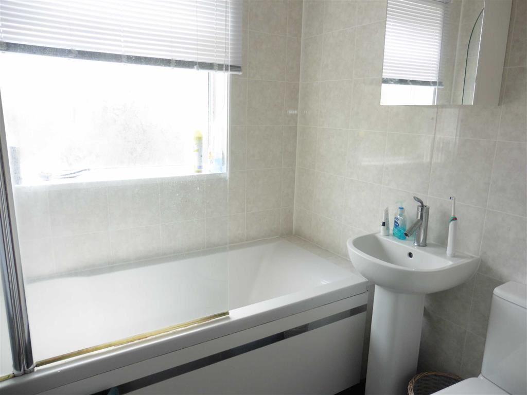 Luxury tiled bathroo