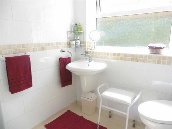 Shower room (side)