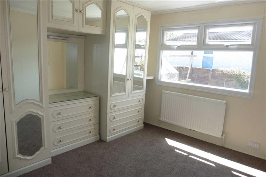 L-shaped bedroom 1 (
