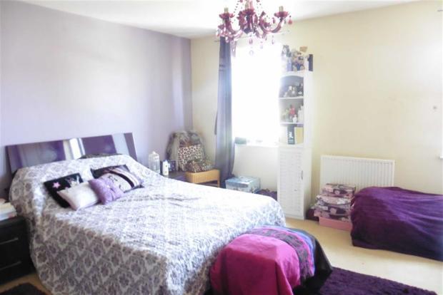 Bedroom 1 with en-su