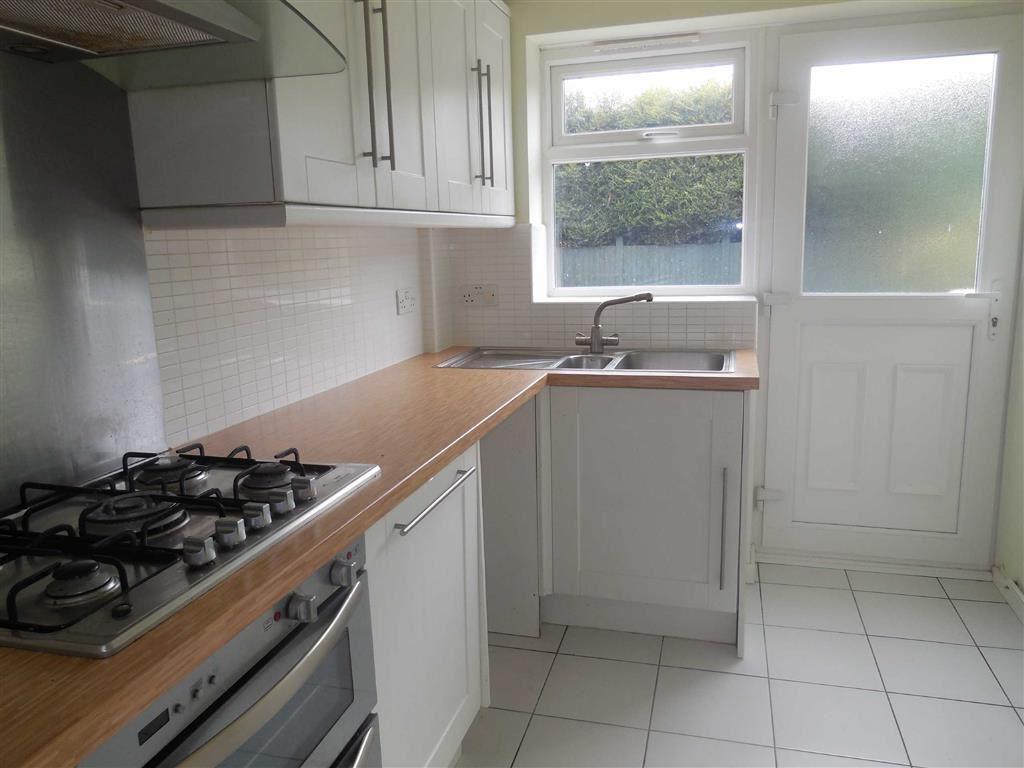 Kitchen (rear)